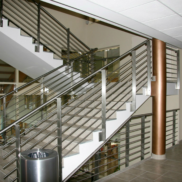 Custom-made rod-type stainless steel railing