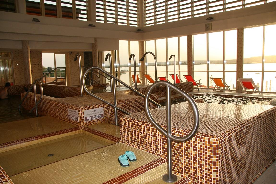 Egyedi rozsdamentes medence kapaszkodó / medence korlát