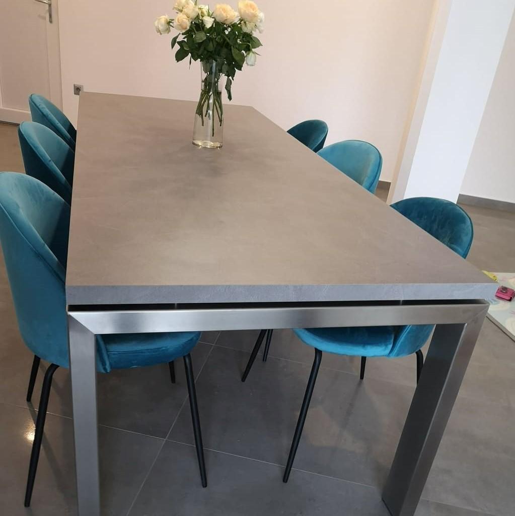 Rozsdamentes étkezőasztal
